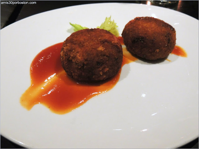 Crispy Oxtail Croquettes del Restaurante Boston Chops