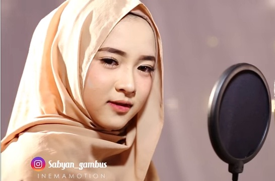 Lirik Lagu Ya Habibal Qolbi - Sabyan dari album sholawat gambus chord kunci gitar, download album dan video mp3 terbaru 2018 gratis