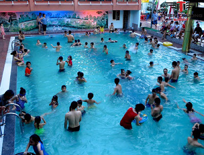 Bể bơi bốn mùa Thủy Lợi