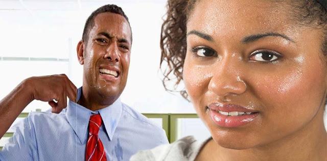 بعض الناس يواجهون التعرق أكثر من اللازم من الوجه والجسم.  إذا كنت تستخدم كريمًا خاطئًا للوجه ، فهذا يسبب مشكلة في التعرق.  لا ترتدي الملابس الاصطناعية في الحرارة لأنها تسحب الحرارة أكثر.