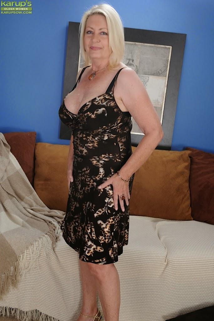mature lovers: Blonde mature in lingerie