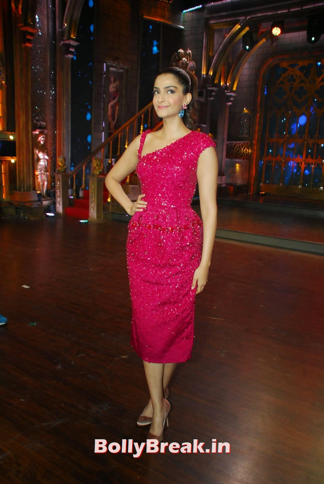 Sonam Kapoor In Red Dress - Hot Images - 11 Pics-6099