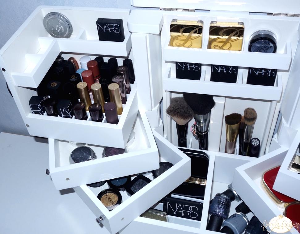 mes rangements makeup muji hema asos anna sui amazon lori greiner. Black Bedroom Furniture Sets. Home Design Ideas