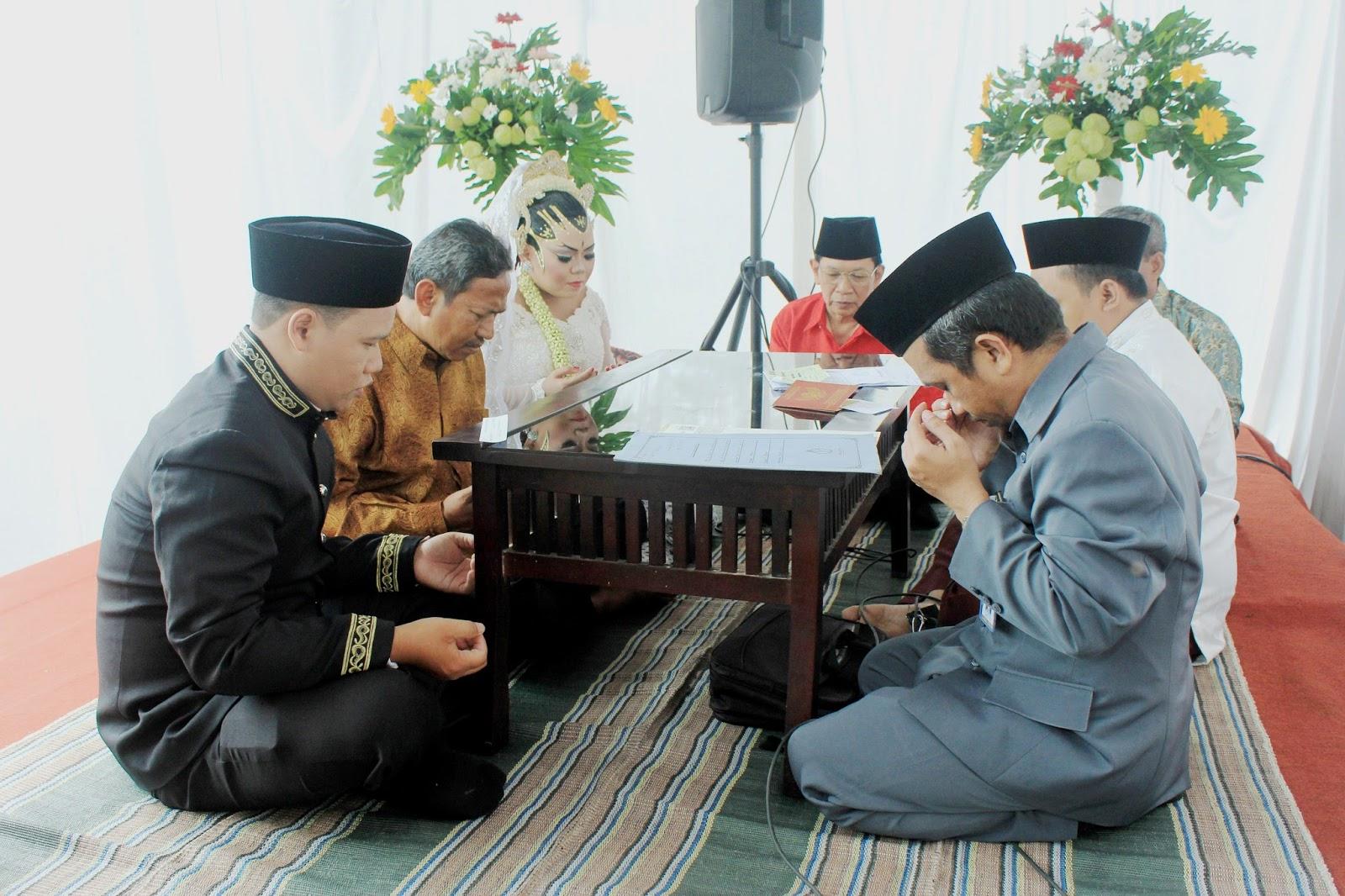 Jasa foto wedding semarang