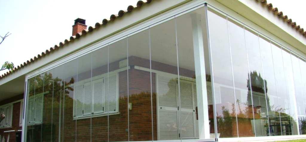 Acristalamiento de porches cerramientos de cristal ja n for Acristalamiento de porches