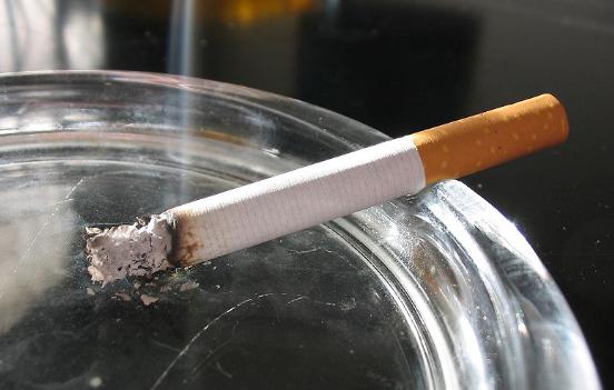 Sudah Lama Merokok Tapi Tak Terkena Kanker Paru, Ini Penjelasannya
