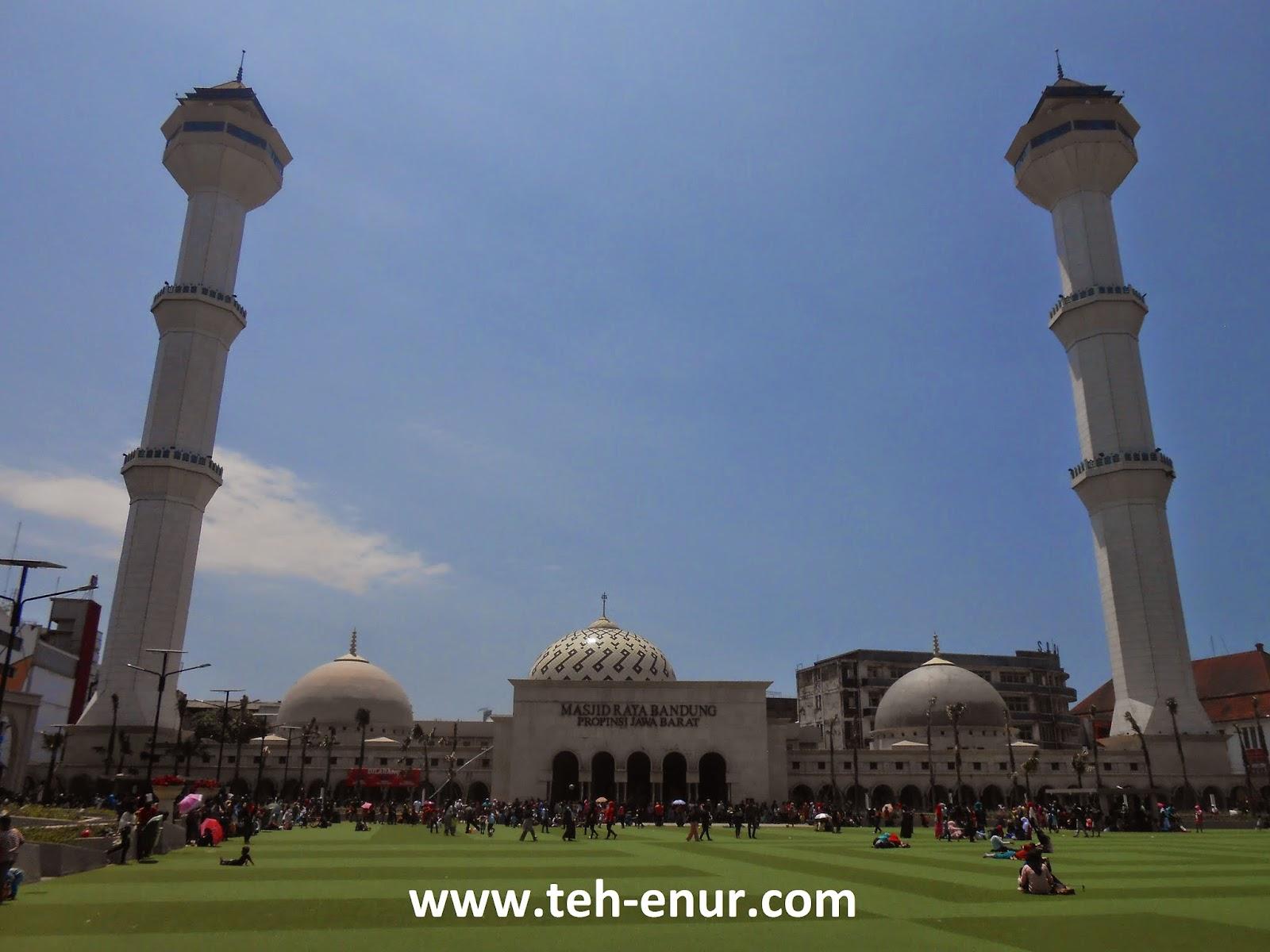 Kumpulan foto-foto Alun-alun kota Bandung - MAsjid Raya Kota Bandung