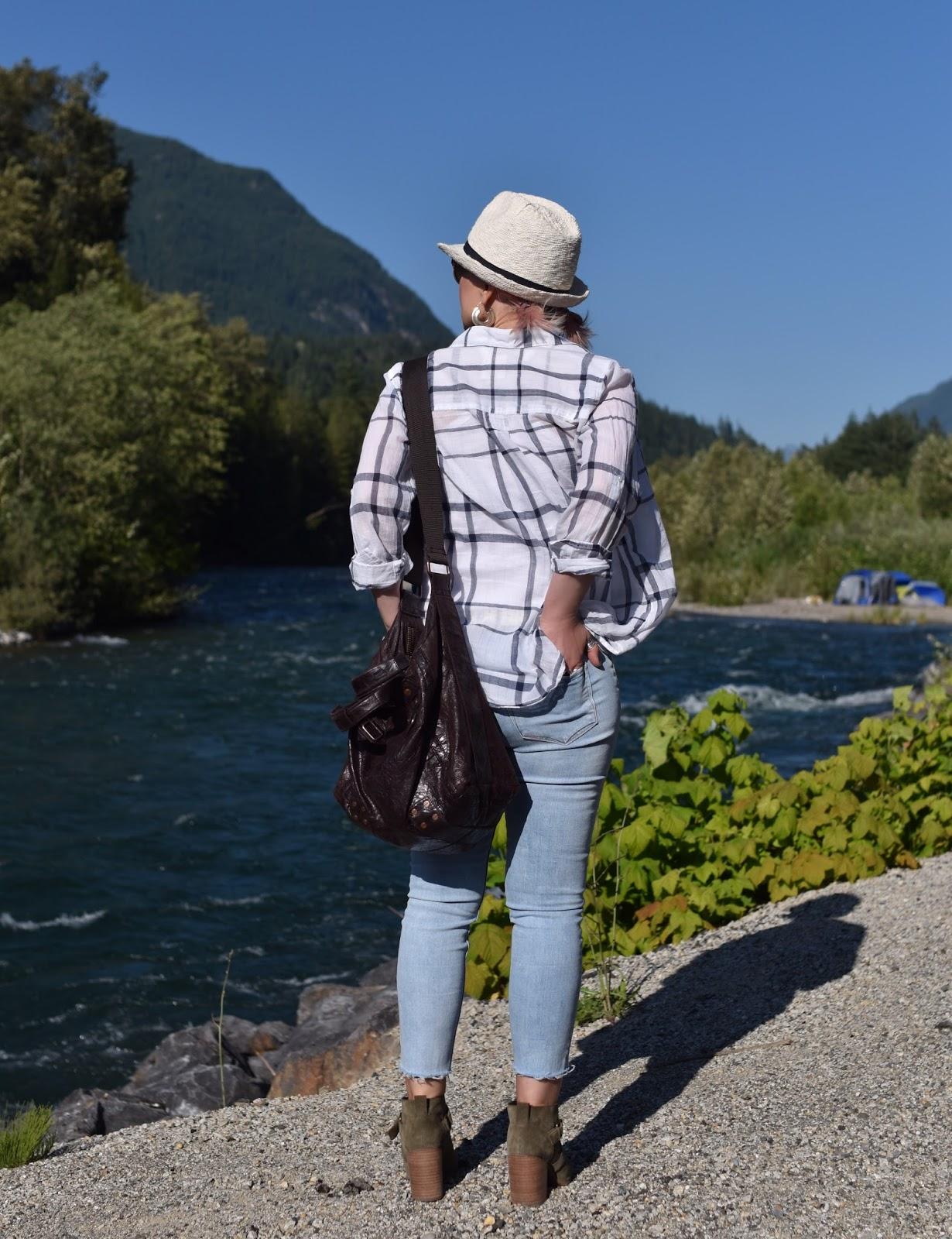 Monika Faulkner personal style inspiration - plaid shirt, skinny jeans, booties, straw fedora