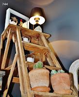 744-escalera-antigua-de-madera-de-pino-sietecuatrocuatro