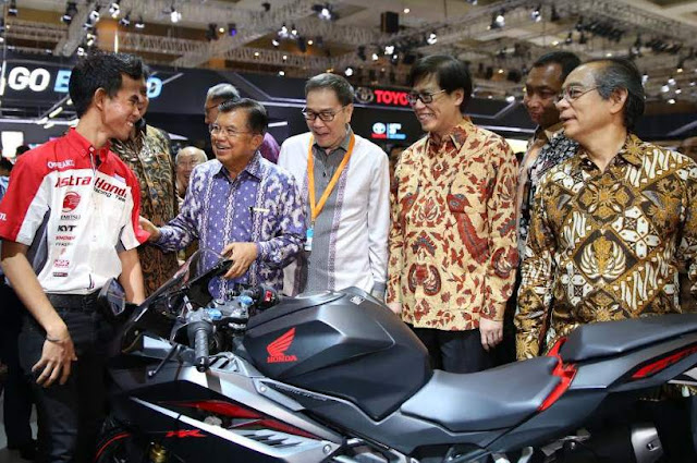 All-New-CBR250RR-Best-Bike-Of-The-Year-2017