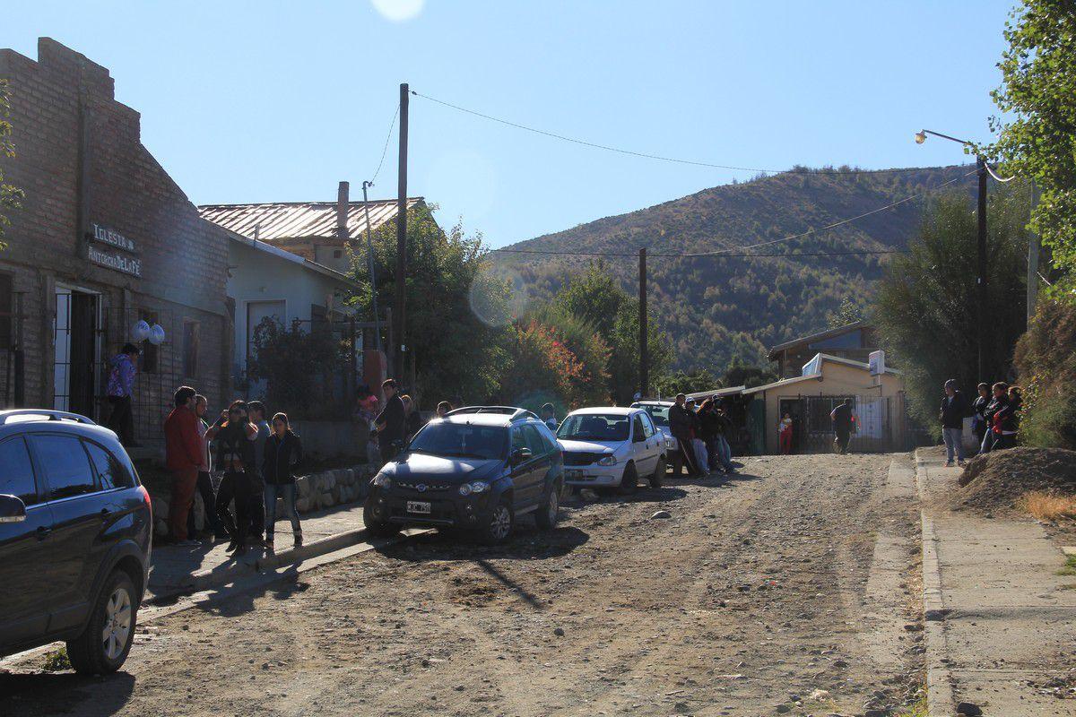 Micaela del barrio 22 de abril tirando goma - 4 4