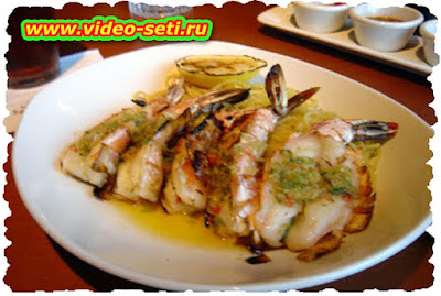 How To Make Steamed Prawns With Garlic Butter
