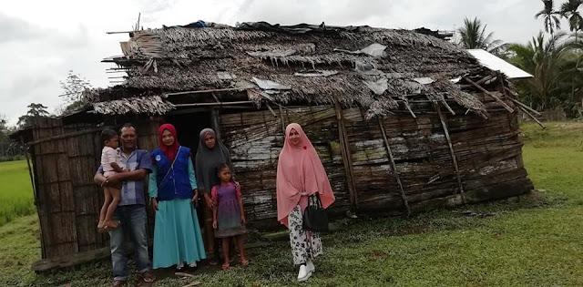Lembaga Peduli Dhuafa Mengunjungi Pasutri yang Tinggal di Gubuk Reok di Desa Seuneubok Panton
