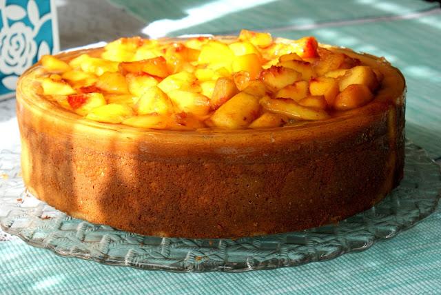 sernik z wiaderka,ser z wiaderka,idealny sernik,sernik z brzoskwiniamy prosty, z kuchni do kuchni sernik,katarzyna franiszyn luciano,sernik,