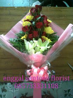 rangkaian buket bunga tangan mix lily, mawar dan gerbera