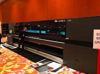 Efi Vutek yeni 5mt  LED UV  baskı makinesi piyasaya sürdü...