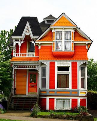บ้านสีส้มสดๆ