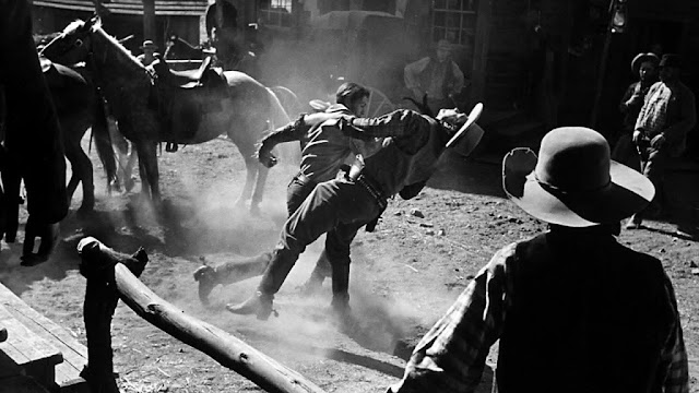 The Westerner 1940 movieloversreviews.filminspector.com Gary Cooper