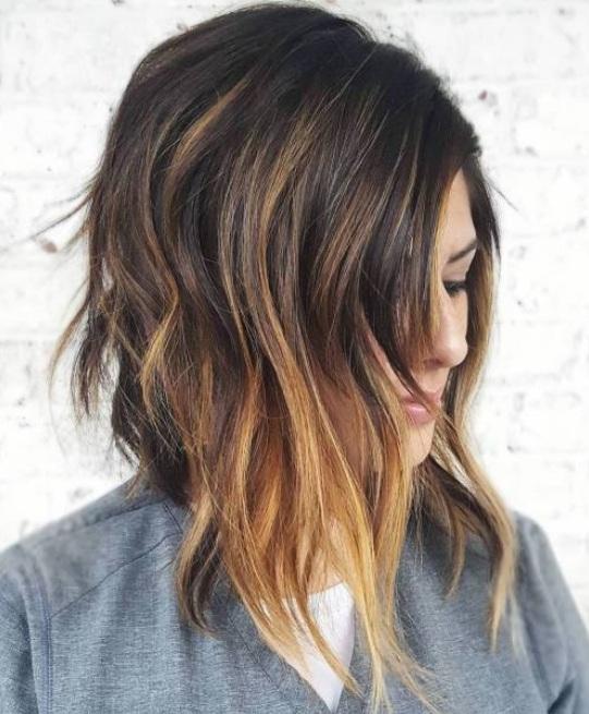 Reflejos para el cabello corto son a menudo una necesidad. Quieres un corte de pelo corto que es glamoroso y chic, no aburrido y perezoso.