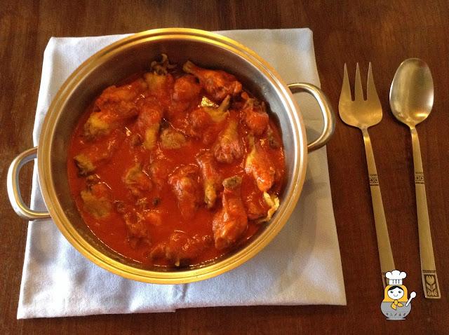 Muslitos de pollo en salsa roja
