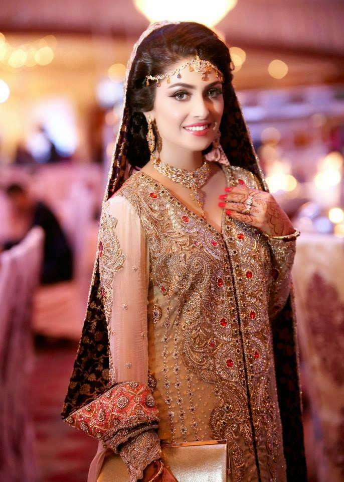 Ayeza Kha Aiza Pakistani Female Television Actress Celebrity Wallpapers Free Download Free Download