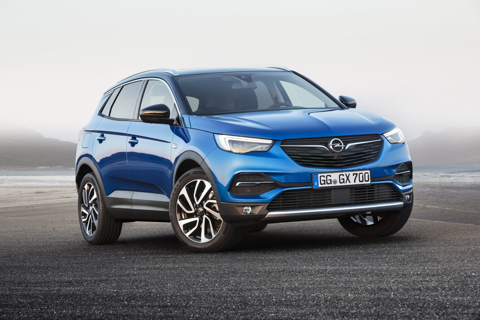 new grandland x to become opel s first plug in hybrid model carscoops. Black Bedroom Furniture Sets. Home Design Ideas