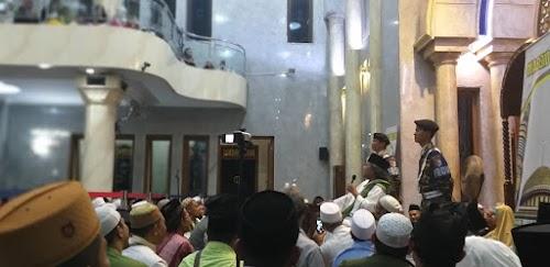 Ceramah Gus Muwafiq Pukau Ribuan Jamaah Masjid Gondanglegi