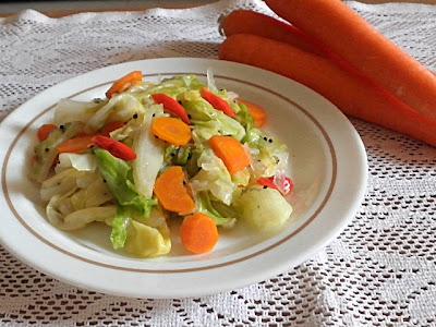 Stir Fried Cabbage Recipe @ treatntrick.blogspot.com