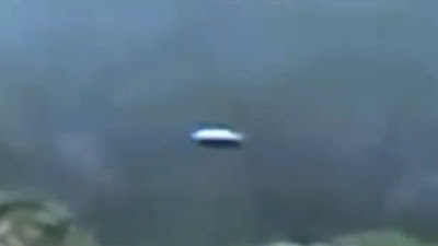 Sighting in Costa Rica of a Flying Saucer or UFO that is absolutely stunning and it's moving.