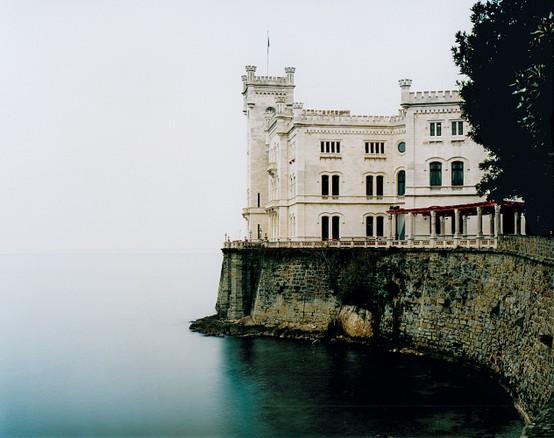 LA IMAGEN DEL DIA: The Miramare Castle in Trieste, Italy 3