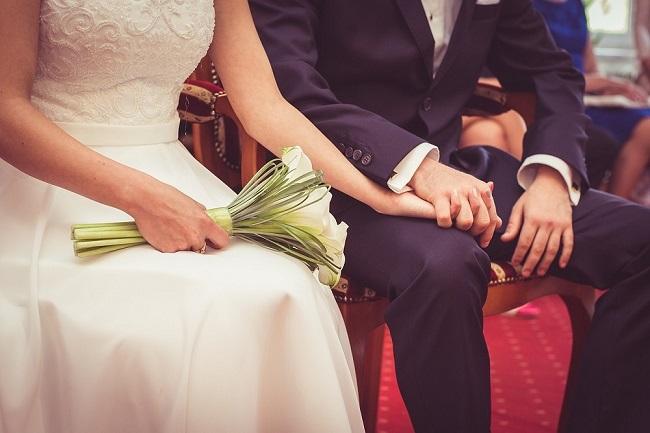 wedding-couple-ring