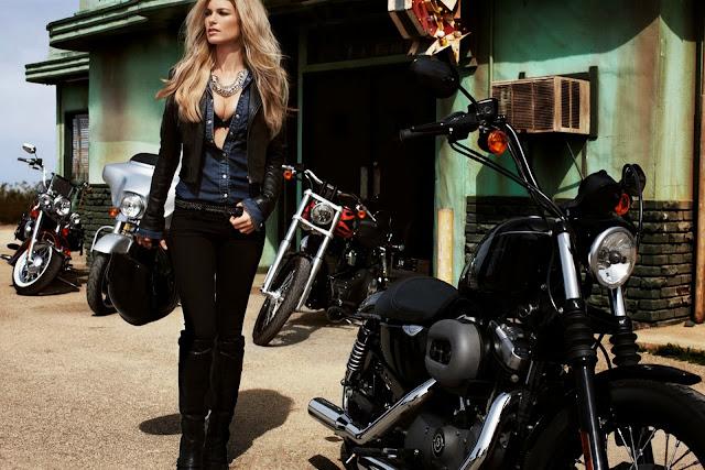 Harley Davidson: Hermandad Lunática: Marisa Miller & Harley Davidson