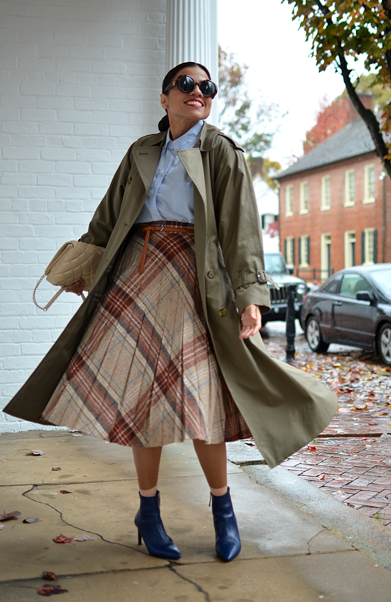 Maxi trench coat street style