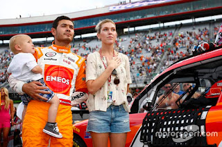 Nascar Xs Bristol Ii Kyle Larson Chip Ganassi Racing Chevrolet With Wife Katelyn Swee