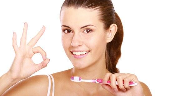 Membersihkan gigi wajib dilakukan siapa saja 5 Langkah yang Tepat untuk Membersihkan Gigi