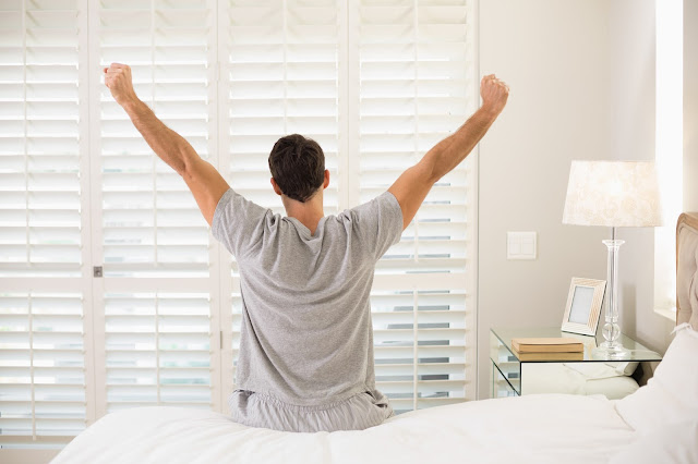 هل من الممكن أن تنام 10 ساعات وتستيقظ متعباً ؟!