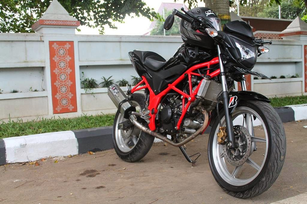 Modifikasi Honda CB150R Street Fighter 2014