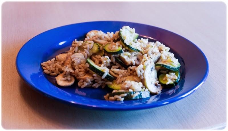 Zucchini-Champignons-Reispfanne