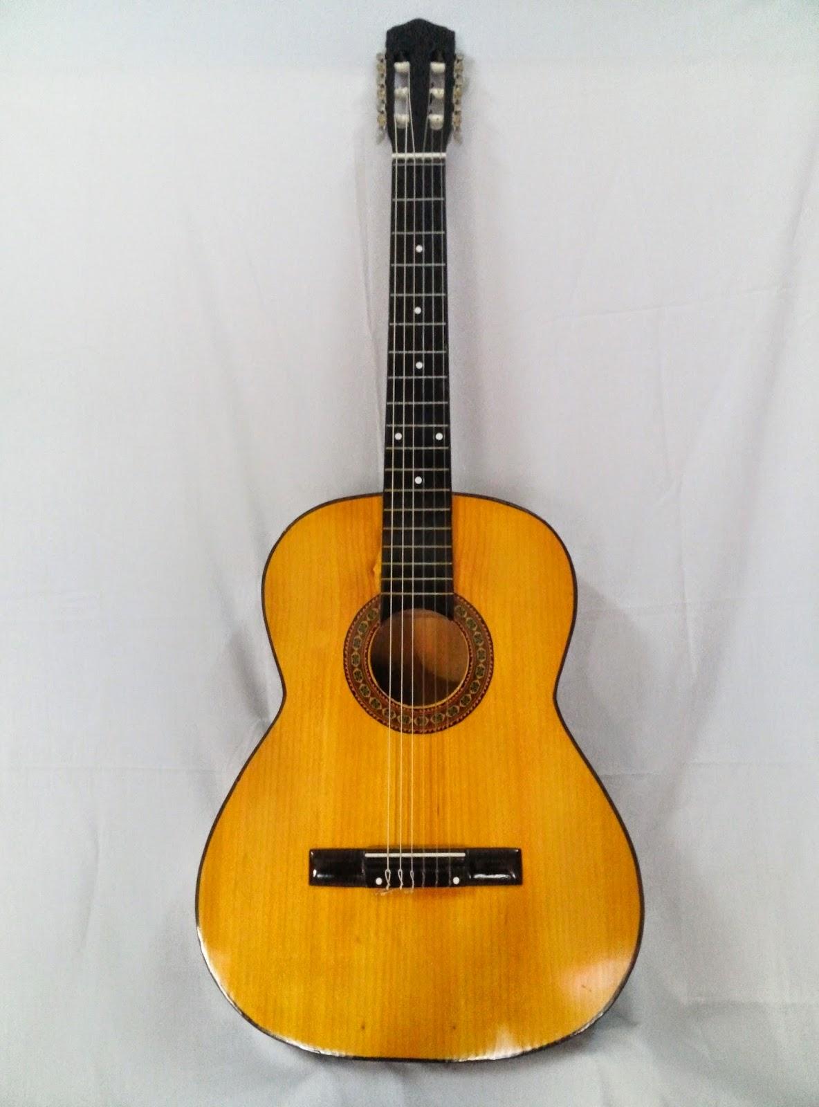 đàn guitar cho người mới chơi
