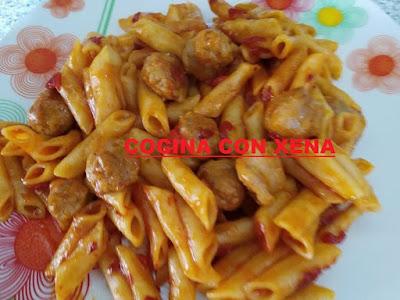 Cocina con xena macarrones con salchichas en ollas gm d for Cocina con xena olla gm d