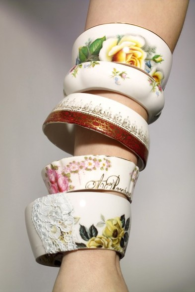 Teacup jewelry is a new creative way to upcycle teacups