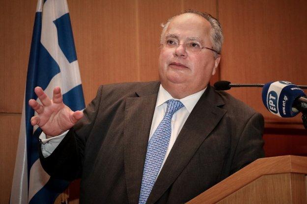Επιμένει ο Κοτζιάς: Ο Καμμένος είπε στο υπουργικό πως δόθηκαν €50 εκατ. από τον Σόρος