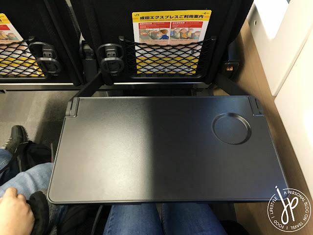 train tray table