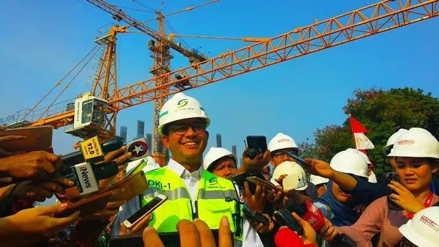 Anies Akan Fasilitasi Pemilik Rumah DP Nol Rupiah Klapa Village dengan Jak Lingko