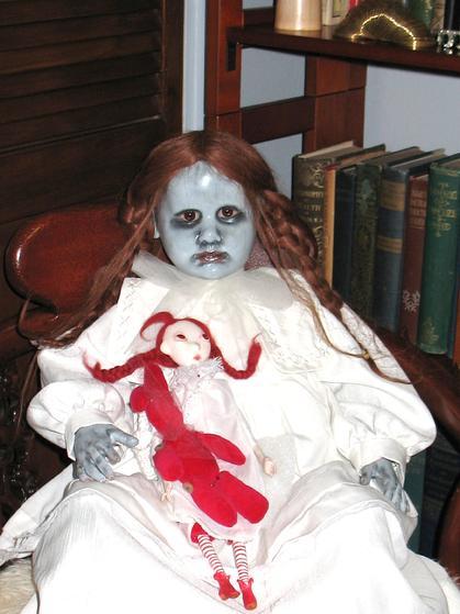 boneka paling mengerikan dan menyeramkan