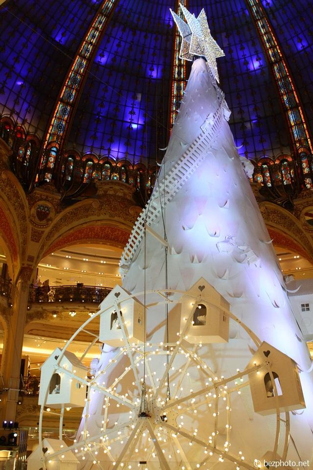 елка Galeries Lafayette