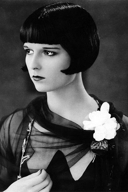 Fabulous Vintage Pictures Of Women S Hairstyles And Make