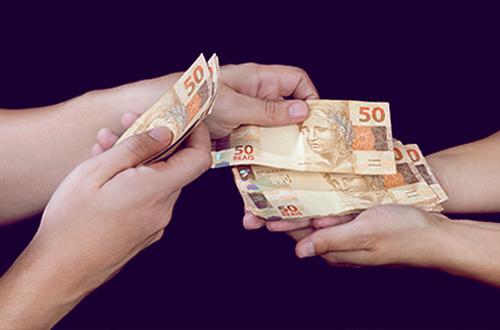 Pressionado, prefeito de Chapadinha paga novos concursados