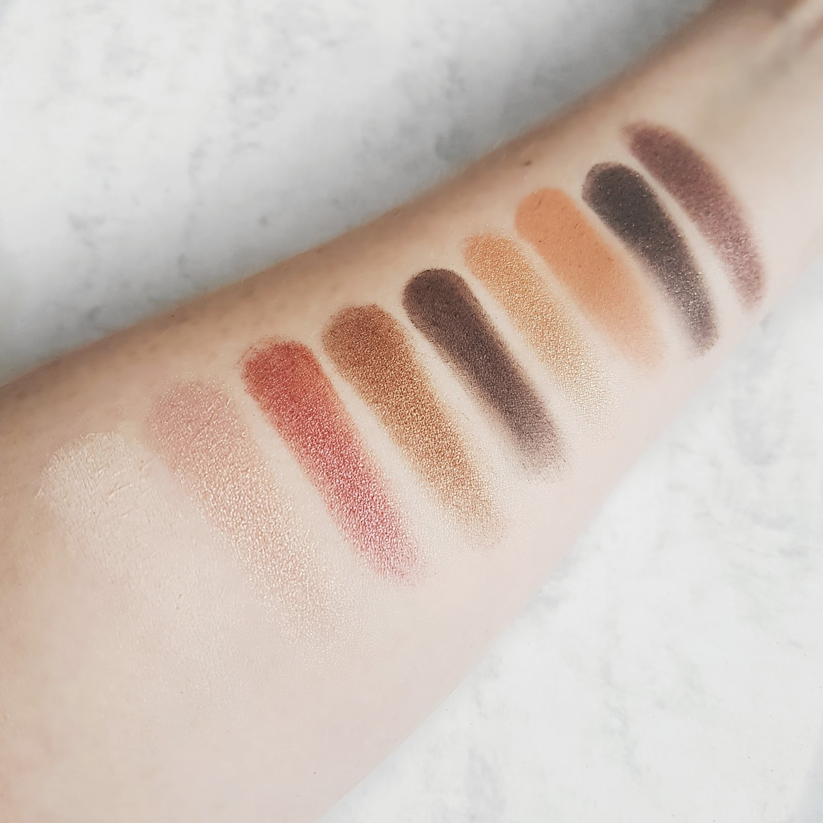 Swatches of the Zoeva cocoa blend eyeshadow palette