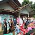 Bhabinkamtibmas Desa Pangauban Memantau Penyaluran Bantuan Berupa BPNT